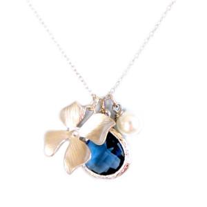 collier argenté fleur